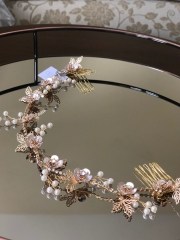 All-gold-and-crystal-vine-pink-flower-on-tray