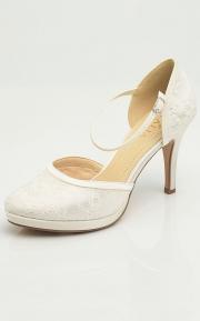 Ivory-lace-wedding shoe-bridal-shoe-Maya-Avalia-1