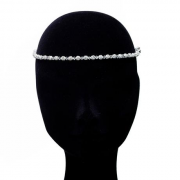 Kimmy-crystal-single-on-pins-€145