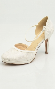Ivory-lace-wedding shoe-bridal-shoe-Maya-Avalia-1