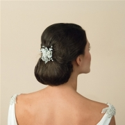 bridal-comb_Ivory-and-co-magnolia-2-hair-flower