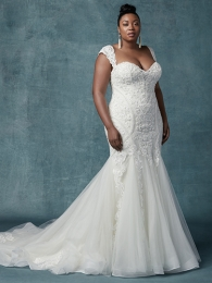 Maggie-Sottero-Quincy-9MT014-Curve-Main